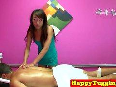 Cazzo amorevole massaggiatrice giapponese piace cliente