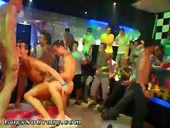 Gruppe junge nackte Jungen Homosexuell xxx Diese männliche Stripper Partei