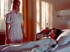 Sairaanhoitaja Franka Potente antaa potilaalle haluttomia handjob