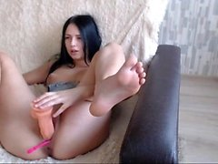 Camgirl masturbarsi con dildo in webcam