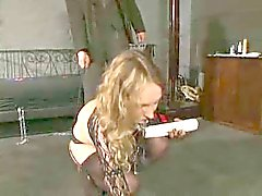 Rubia que muchacha esclava Aleman 1 a 2