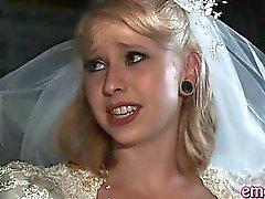 Blond bride anal gefickt durch eine schwarze Kerl vor ihrer Ehe