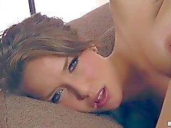 Jeunes de beauté Malena de Morgan masturbe