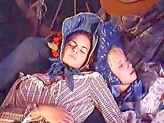 """Patty Page hot outdoor sex: scene from """"Carovana della Violenza"""""""