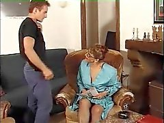 Anaal Milf in netkousen Cum on Glasses