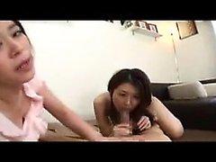 İki yaramaz Oryantal ev hanımları bir d seksi dudaklar çalışır