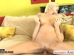 Busty cougar Emma Starr fucking