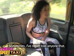 Cravatta femmina del taxi falsa in bocca di babes di forma fisica