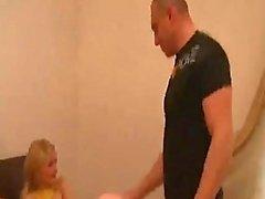 Vater gefickt zu zwei Töchter