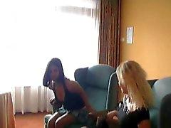 AMATRICE DE L'étudiante 30 partie de sexe dans la chambre d'hôtel