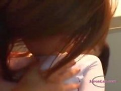 Aziatische meisje In aërobe jurk zuigen en Fucked met Strapon In The Gy
