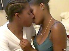 ébène Hot lesbiennes manger et chattes doigt