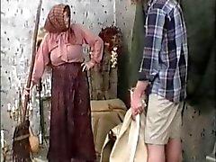Klasik Büyükannem Filmi ve R20