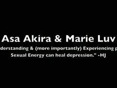 Asa Akira et les marie de luv la part une bite
