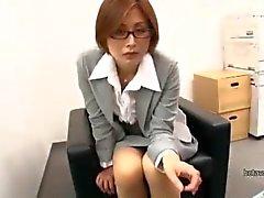 Olgun öğretmen satsuki kirioka upskirt sahte sınıf tekrar toplantı sırasında gropped