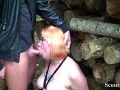 Deutsch Redhead MILF Fick mit jungen im Freien nach der Schule