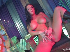 Super sexy Jayden fucks her pussy with a glass toy