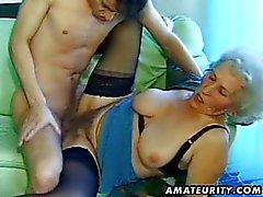 Vieux femme maturité amateurs suce et baise