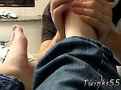 İskoç ve erkek erkek terlik fetiş Satisfyi Gay twinks