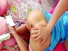 blondie anale acrobaat met brute lul