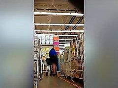 Harhaanjohtavat upskirt kuvia supermarketissa esiin hyvä aasia