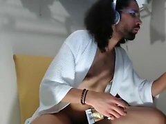 Dishy männlicher ist in Tür masturbiert und Dreharbeiten zu sich