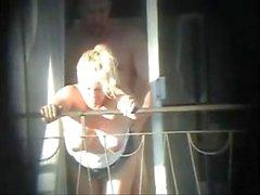Sex und Balkon (Voyeur gefangen)
