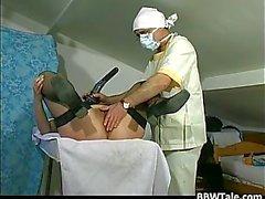 Жиров старого шлюха был пыткам роговом врачом