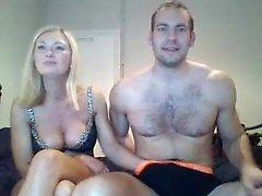 Fisting amatoriale ceco più caldo sulla webcam 1