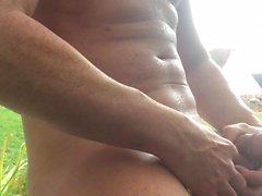 Un piccolo Masturbazione al Hot Tub ad Nudist Squadra