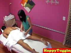 Asiatique, masseuse, secousse, client, spycam