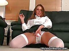 Sexy colegial Penny Flame tirando