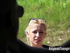 Blondi kyllästyi kovaa hänen vansaan