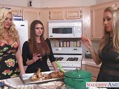 cuties calde di Brooklyn Chase , di Nicole Aniston e in estate per Brielle Gets Nailed