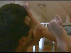 Claen pies pie adoración 2 chicas