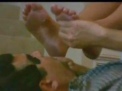 Claen Füße fußanbetung 2 Mädchen