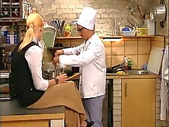 Blonde torride Fucked italien Cuisine office