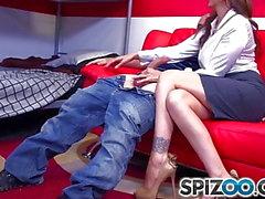 Spizoo - Büyük bir sabit dick lanet Julia Ann, büyük ganimet