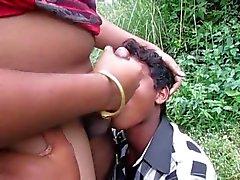 La omosessuale indiano schifo mio cazzo e mangiano mia sborra