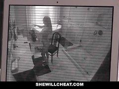 SheWillCheat - Hile Azgın Karı iğne yapmak In alır