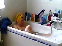 Spiate Mamma mia da barba la figa a bagno d'
