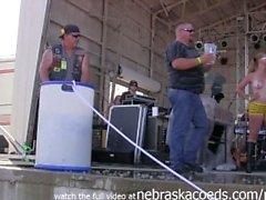 tuoreeseen lihaan pyöräilijän märkä tpaita contest Iowassa