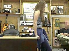 Секси обувь В показанного на Ломбард Приводит к непослушания