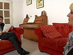 - träffar min TOTALT BESKEDLIG HUSTRU - : ukmike till video