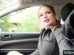 Genç Davanzati Jane arabada çarptım