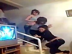 garotas do arabian demonstrar correias enquanto eles dançar 2,015