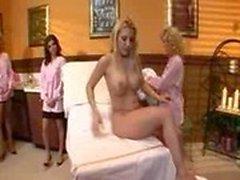 tratamiento corporal firma paraíso de color rosa