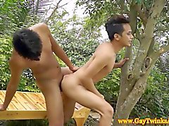 Азиатская пижоны поцелуи и трахаются как кисками HD