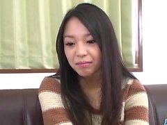 Amatör kız, Natsuho, lezzetli dong üzerine eğilir