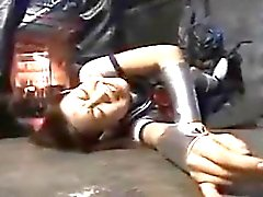 Japon kız öğrenci bağladı ve onu sadist tarafından işkence